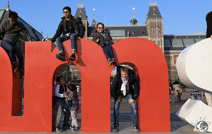 Iamsterdam, devant le Rijksmuseum à Amsterdam