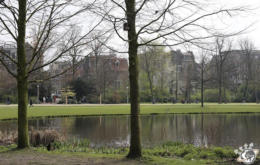 Vondelpark, au sud-ouest d'Amsterdam.