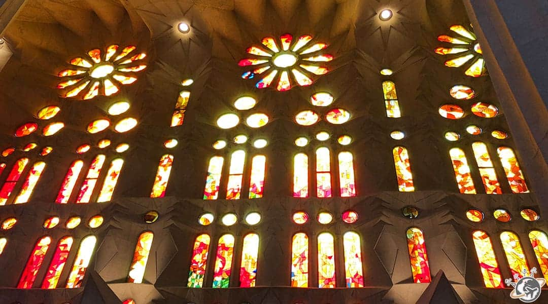 L'intérieur de la Sagrada Familia à Barcelone