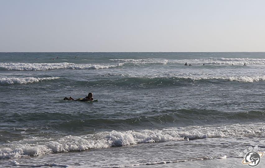 Session de surf sur la playa Encuentro à Puerto Plata, République dominicaine