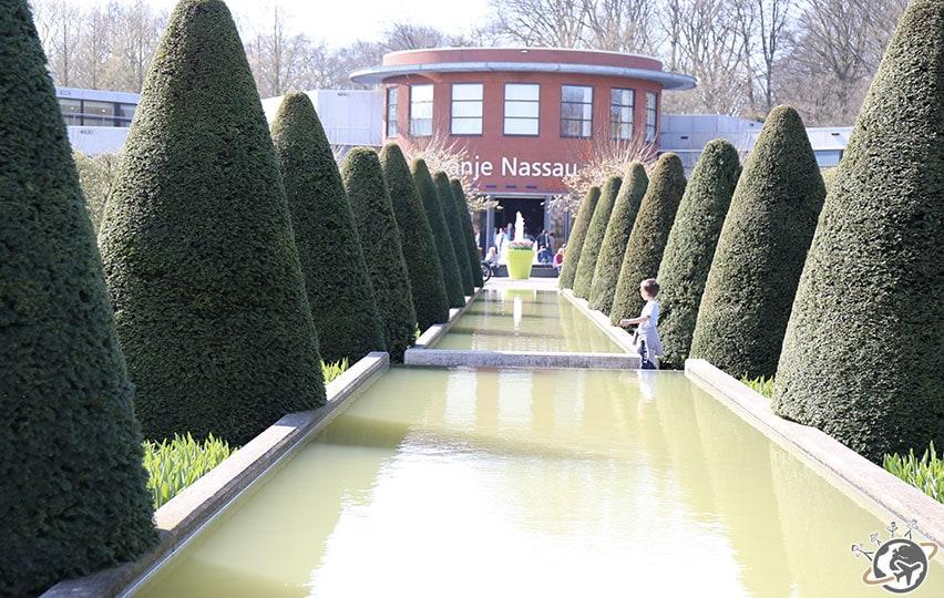 Un bassin bien vert à Keukenhof