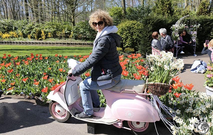 Et pourquoi pas un scooter rose à Keukenhof