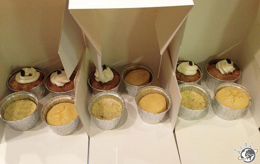 Après le cours, chacun repart avec 2 boites de cakes réalisés en groupe