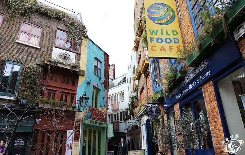 La jolie place de Neal's Yard à Londres