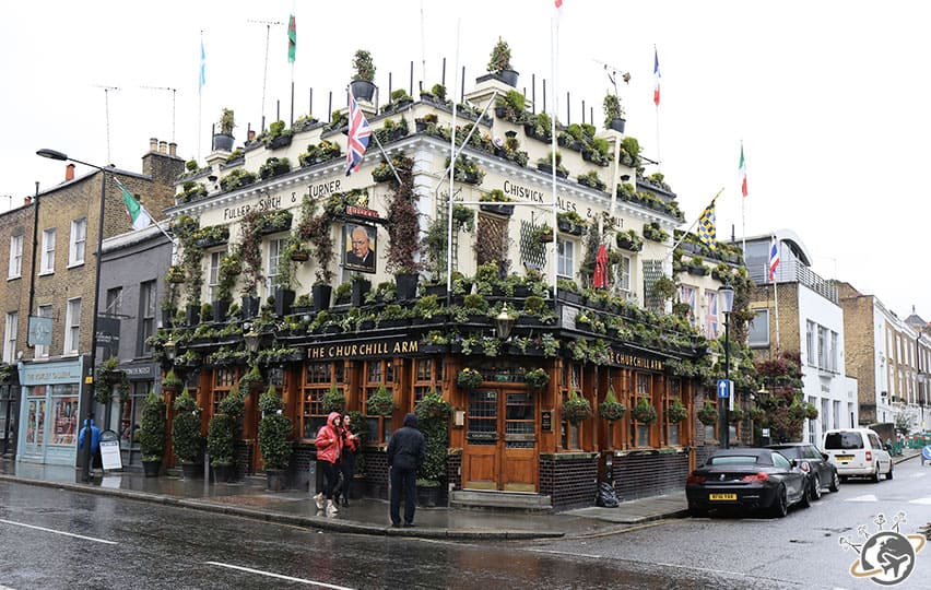Le Churchill Arms près de Notting Hill Gate à Londres