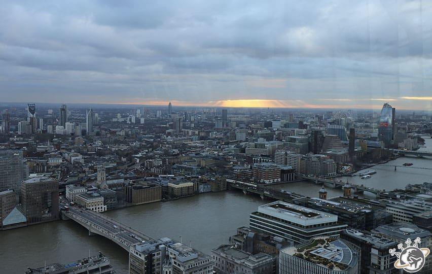 Vue de Londres depuis le 35e étage de Sky Garden à Londres