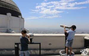 La terrasse du Griffith Observatory à Los Angeles en Californie
