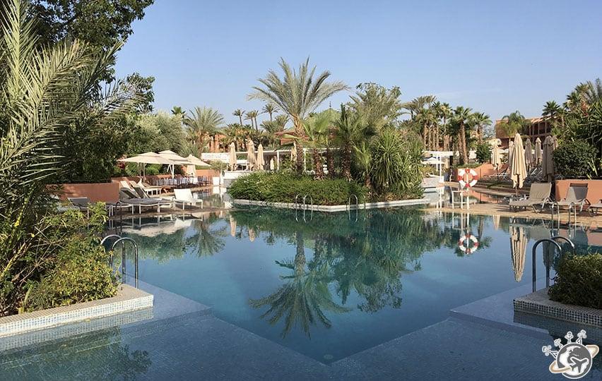 La magnifique piscine de La Palmeraie à Marrakech