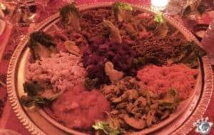 Un plat de légumes en entrée