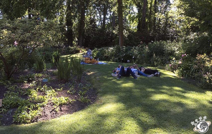 Il y a toujours une pelouse pour se reposer