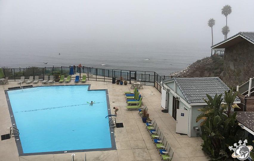 la piscine du Shore Cliff Hotel en Californie
