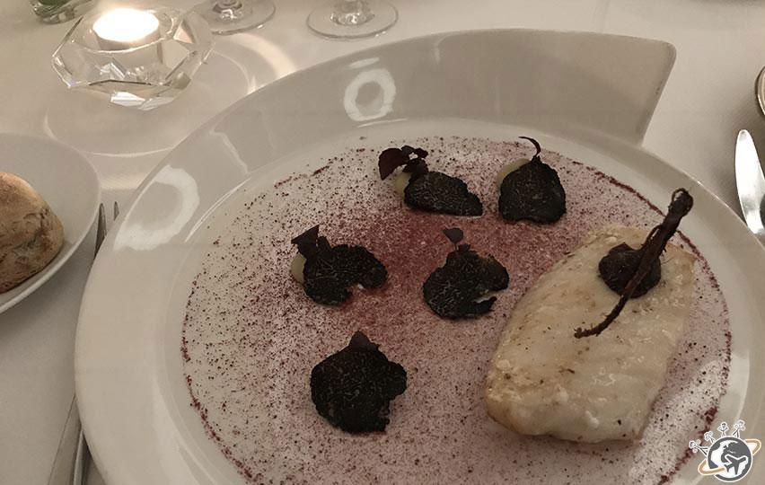 Le deuxième plat du diner gastronomique autour de la truffe au restaurant du Relais de Montmartre de Frédéric Carrion