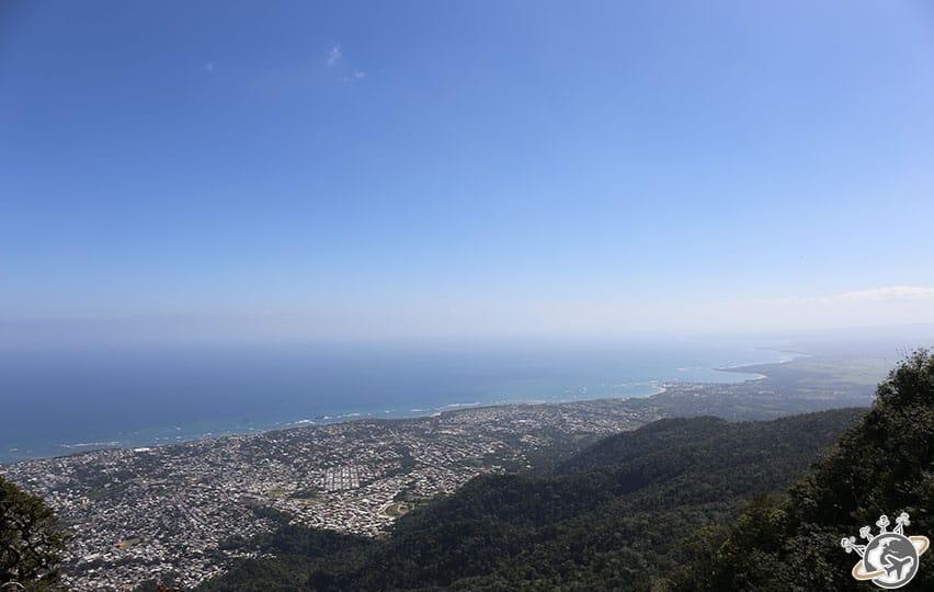 Vue de la baie en haut du teleferico de Puerto Plata