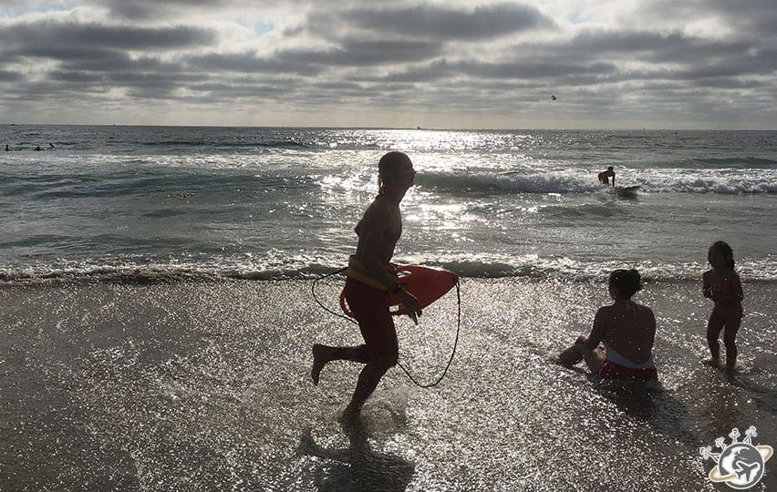 un sauveteur à Mission Beach à San Diego