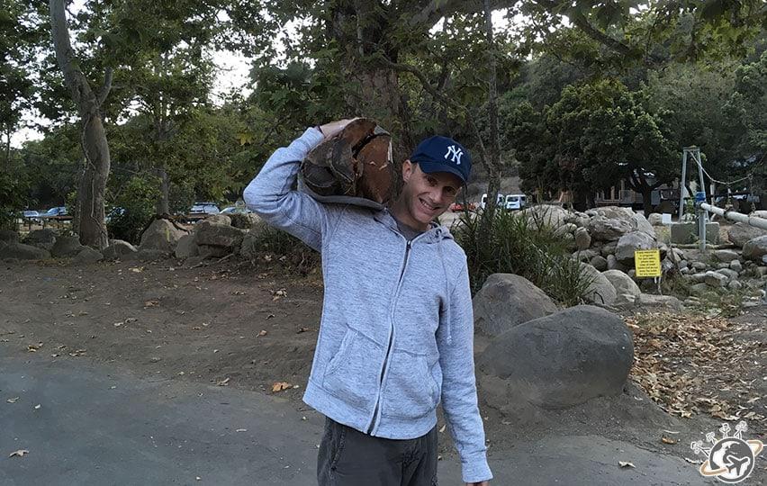 Népoux en route pour faire le feu à El Capitan Canyon proche de Santa Barbara