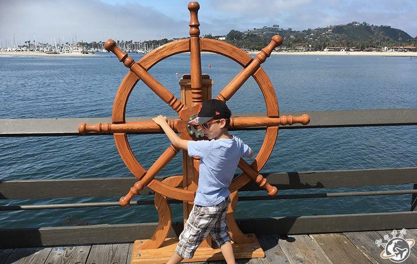 La barre du stearns wharf de Santa Barbara en Californie