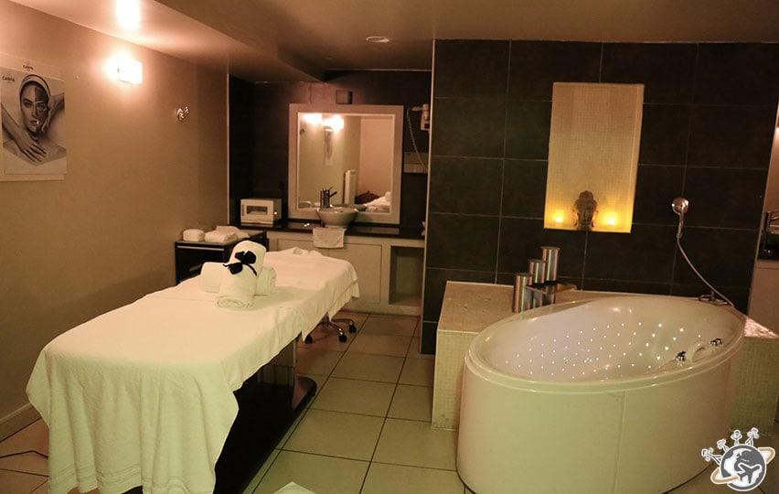 Un massage au Spa Carita.