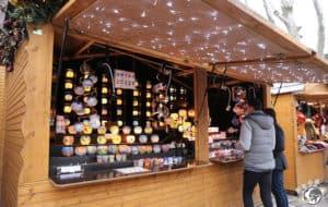 Un chalet dans un des marchés de noël de Strasbourg