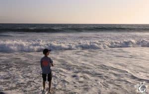 Théo est bien sur la plage en face de notre apparthotel à Venice Beach à Los Angeles en Californie