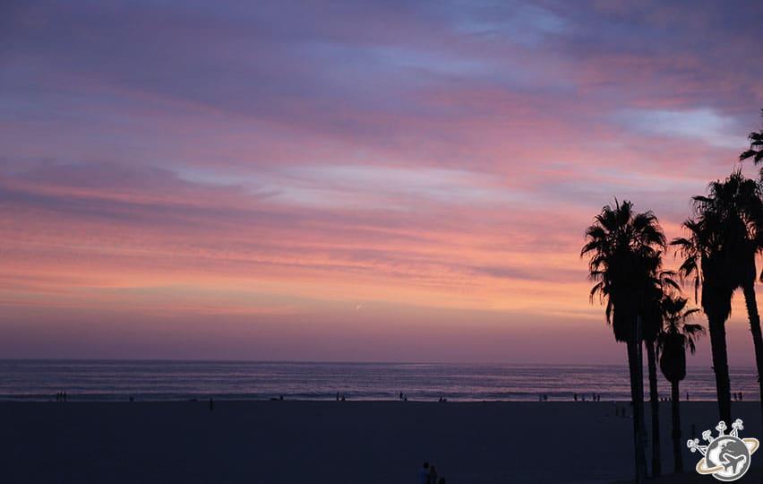 Un coucher de soleil magnifique à Venice Beach en Californie
