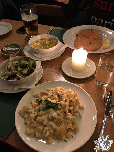 Schnitzel et Stpätzle chez Steman