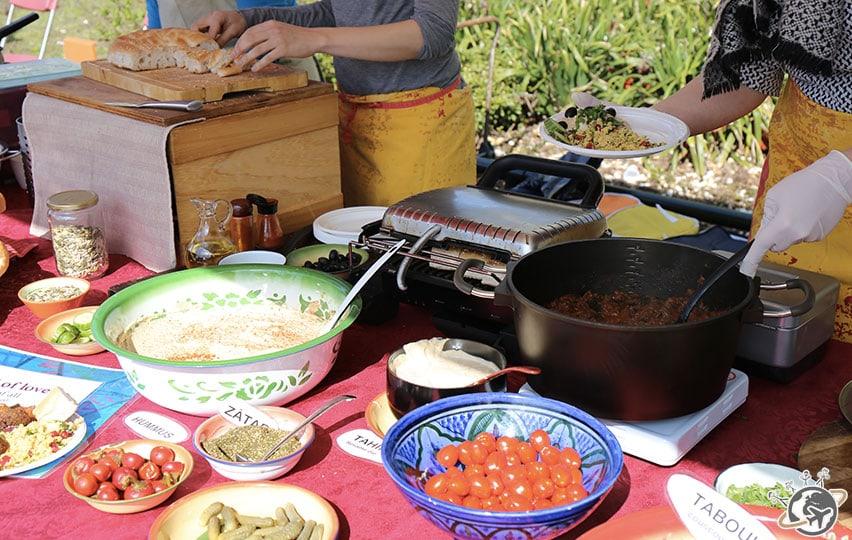 Le 1er dimanche du mois, c'est street-food et stands en tout genre à Westerpark.